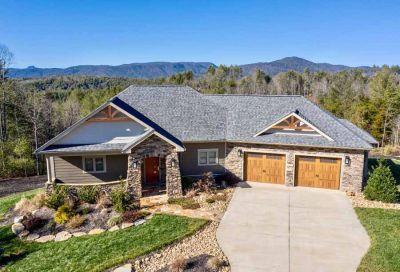 1292-whispering-pines-court